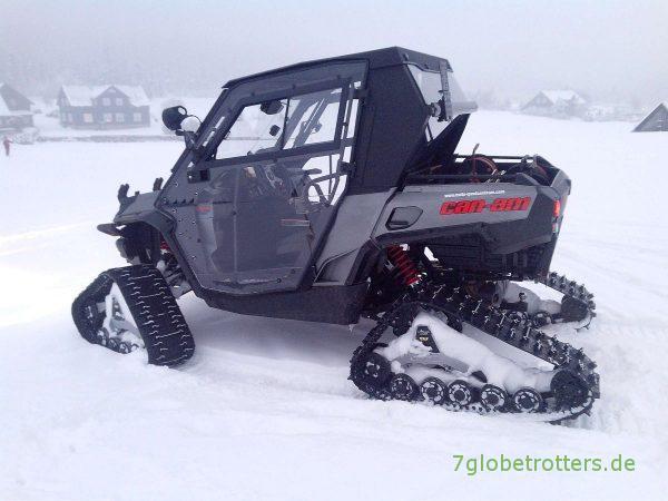 Wenn der Defender nicht reicht, nimmt die Bergwacht einen Can-Am Renegade mit Kettenantrieb (Mattracks)