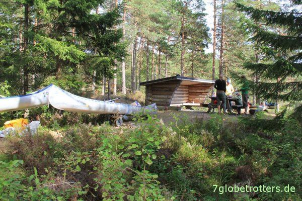 Kanutour mit Kindern in Schweden: Schutzhütte