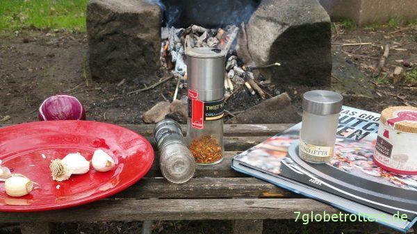Kochen am Lagerfeuer mit dem großen Buch vom Dutch Oven