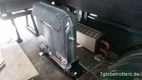 Truma Gasheizung selbst einbauen: Zwei Heizkörper im MB 711 D