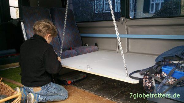wohnmobil tisch selber bauen aufh ngung an der decke. Black Bedroom Furniture Sets. Home Design Ideas