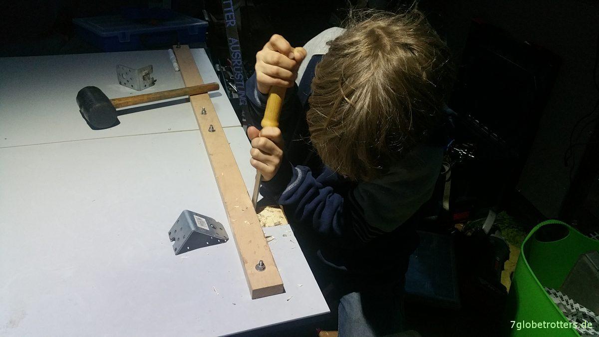 wohnmobil tisch selber bauen und ohne st tze an die decke h ngen. Black Bedroom Furniture Sets. Home Design Ideas