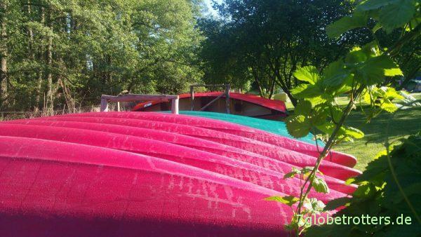 50 Mietboote warten am Kanuhof Wustrow auf den Himmelfahrtsrun