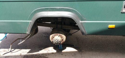 Reifenwechsel am MB 711 D