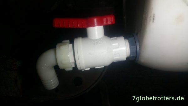 Ein vernünftiger Durchlaufhahn für den Urintank der Trenntoilette