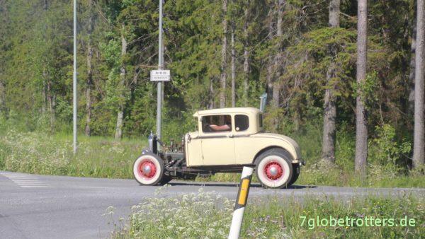 Aber überall in Schweden fahren nette Oldtimer herum