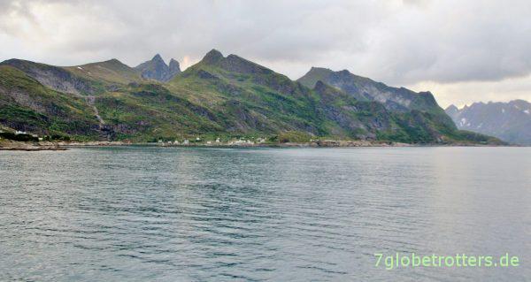 [00:12 Uhr] Einlaufen in den Hafen von Moskenes auf den Lofoten