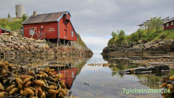 Rorbuer, einfache Fischerhütten am Meer