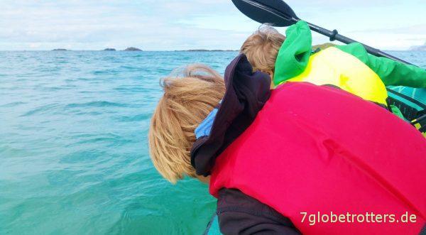 Aufblasbares Luftboot Familienluftkajak Sevylor Ottawa testen beim Paddeln in Familie