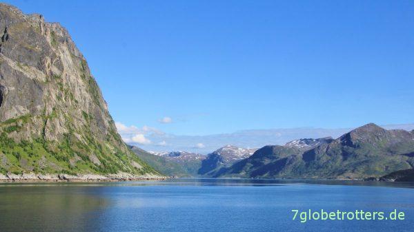 Der Torskefjord mit dem Inkjetinden (575 m)