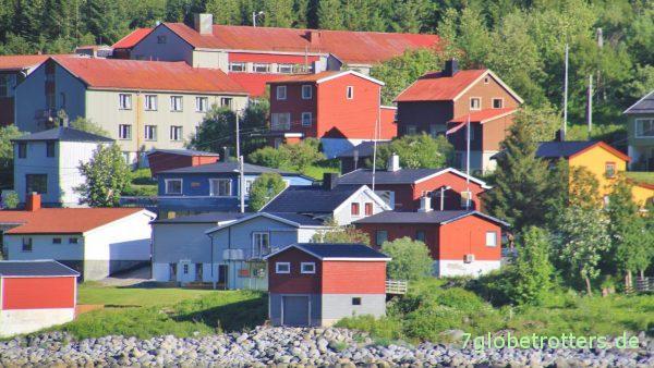Das Örtchen Gryllefjord auf Senja