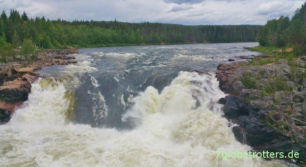 Nordschweden: Wasserfall Jockfall am Polarkreis