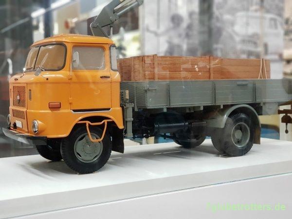 IFA W50 L/L Aufbau-Ladekran, Modell im Verkehrsmuseum Dresden