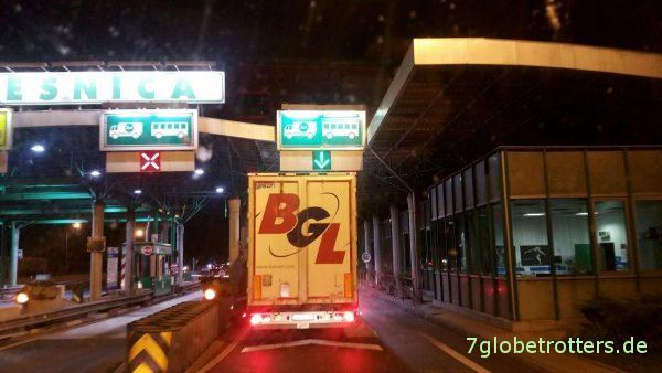 Slowenien: Autobahnmaut für LKWs wird vor Ort bezahlt.