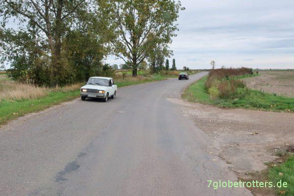Plattes Land in Ungarn. Mit Lada 2103.