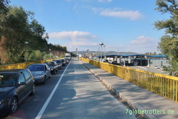 Grenzbrücke über die Drina zwischen Serbien und Bosnien-Herzegowina in Karakai
