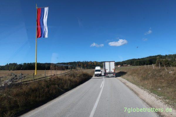 Nicht zu übersehen: Wir sind im serbischen Teil Bosnien-Herzegowinas