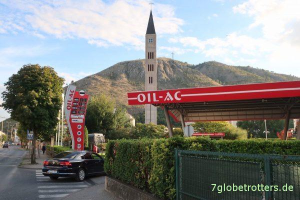 Mostar: Minarett oder Kirchturm?