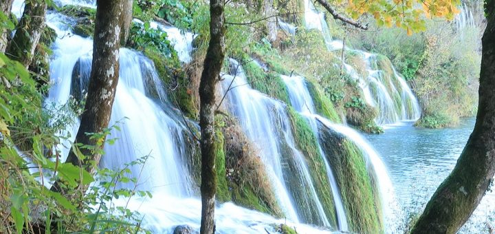 Plitvicer Seen: Plitvicer Seen: Wasserfall zum Jezero Milanovac