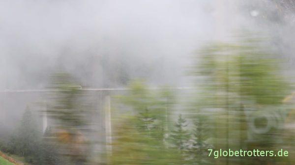 Brennerautobahn von der Bahn aus