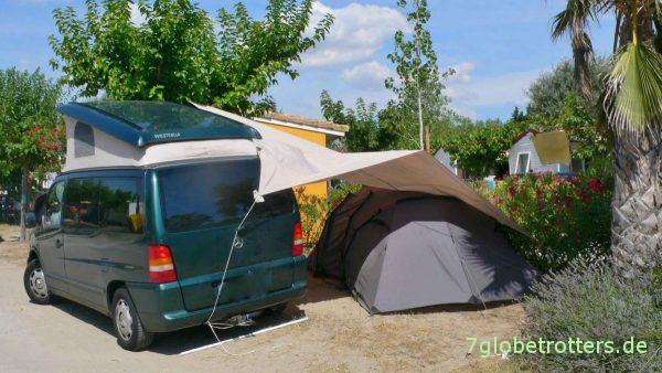 Frankreich 2008: Mercedes Vito als Camper mit Zelt