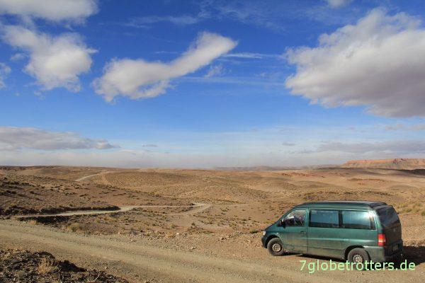 Marokko 2013: Mercedes Vito F auf Piste