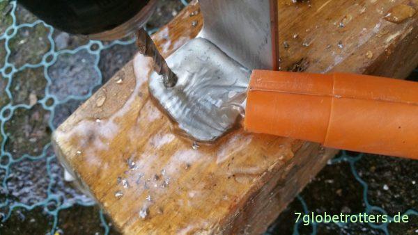 3 mm Edelstahl bohren: Nur mit Wasserkühlung