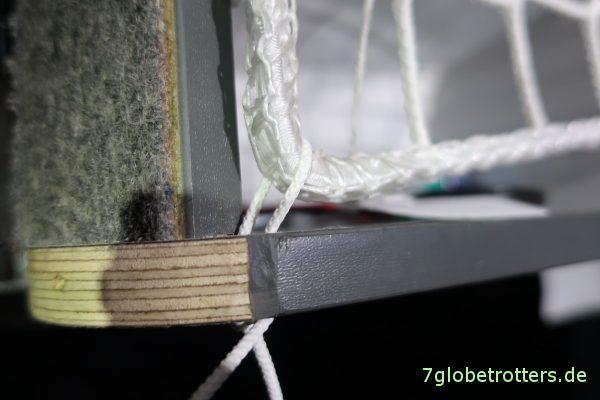 Netzbefestigung mit einem Spannseil