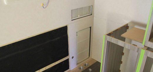 Bau des Eckschranks für die Winkelküche im Wohnmobil