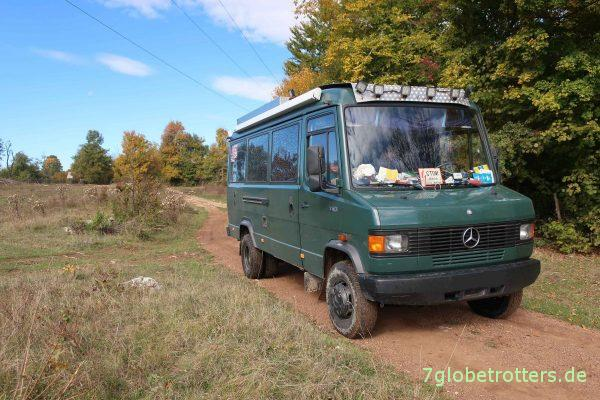 Mercedes 711 offroad in Bosnien-Herzegowina