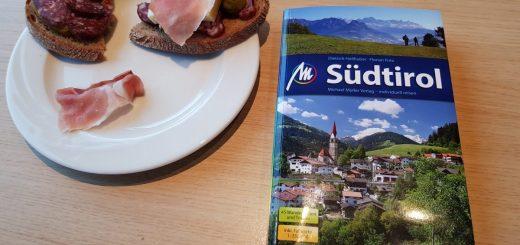 Brot, Gurken, Schinken... und der Reiseführer Südtirol