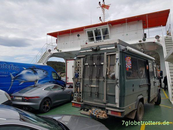 Montenegro, Fähren über die Bucht von Kotor (Lepetare - Kamenar)