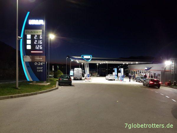 Tanken in Neum, Bosnien-Herzegowina