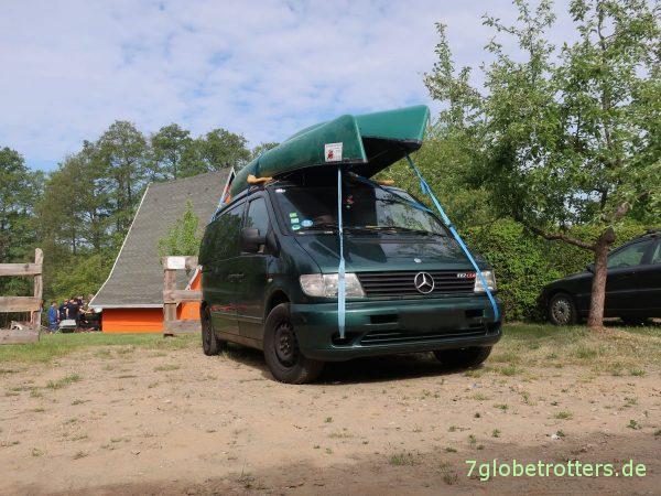 Vom Kanuhof Wustrow nach Kratzeburg: Kanu auf dem Dach transportieren