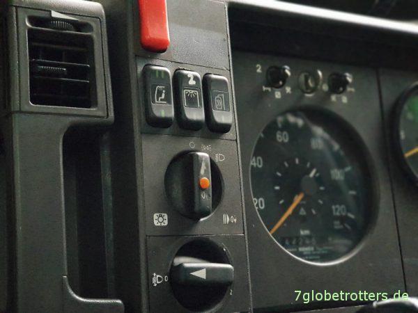 Radioeinbau im Wohnmobil - Mercedes Armaturenbrett im T2-Vario umsortieren umbauen