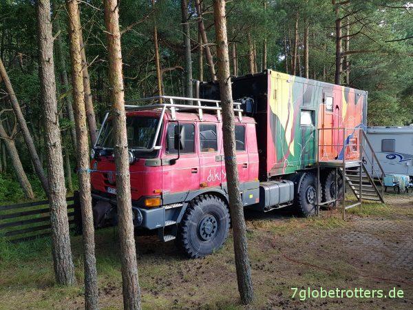 Tatra 815 6x6 auf dem Campingplatz Nida / Nidos Kempingas
