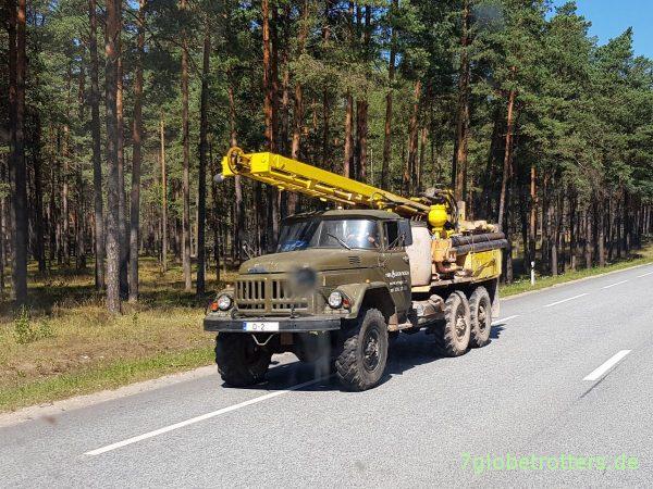 ZIL 131 als Bohrgerät in Lettland