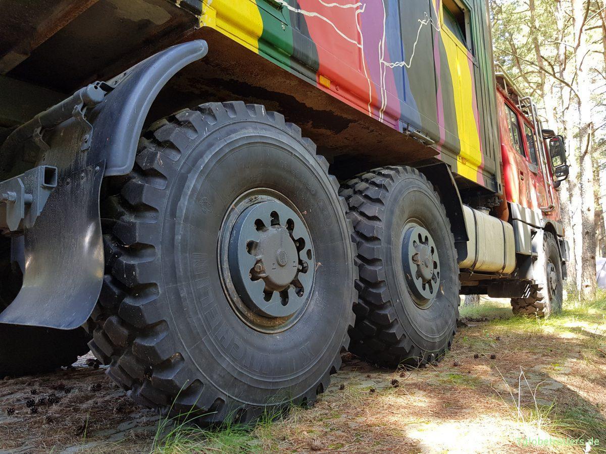 ᐅ Tatra 815 6x6 in Nida: Probeschlafen im Expeditionsfahrzeug ...