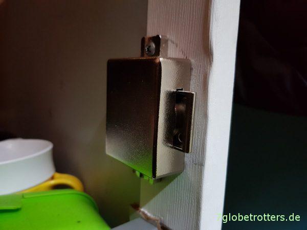 Pistenfester Ausbau mit Push-Locks aus Metall
