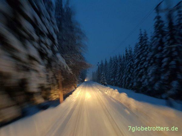 Wohnmobil Bergehilfen im Schnee: GfK-Sandbleche für LKWs