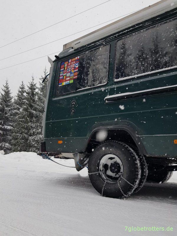 Schneeketten selber bauen am Wohnmobil mit Zwillingsreifen