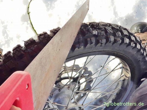 MPT-Reifen als Winterreifen selbst seipen. Auf KTM und Expeditionsmobil.