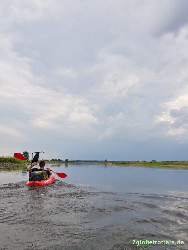 Mal richtig Paddeln auf der Elbe: Von Torgau nach Elster mit Luftbooten