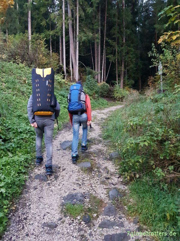 Fahrt mit der Bahn in die Dolomiten, Bus Südtirol, Seis