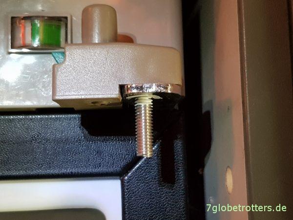 Türverriegelung am Kühlschrank Dometic RM 5380 von neu auf alt umbauen