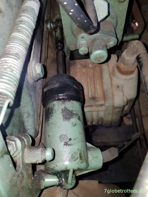 Unterdruckanlage Mercedes T2/LN1: Abstellzylinder an der Einspritzpumpe