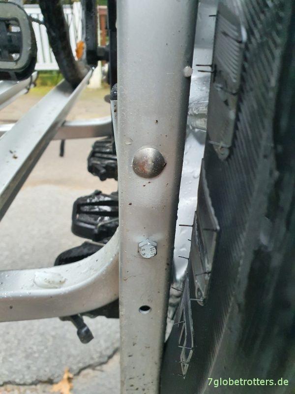Fahrradträger Fabbri portatutto auf dem Jeep Wrangler, Schrauben