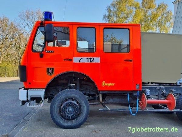 Originale Bereifung auf dem Mercedes MB 1222 AF 4x4 Ziegler ohne Aufbau
