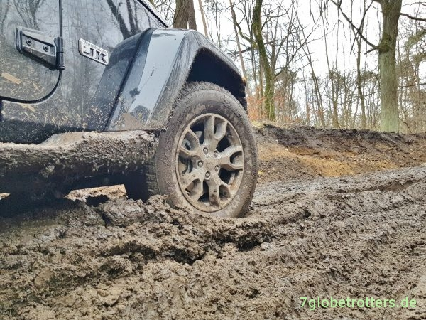 Umbereifung Jeep Reifen 255/70 R18 Bridgestone Dueler