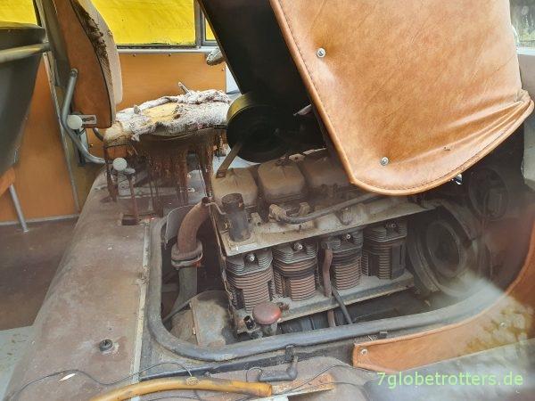 Motor des Robur LO 3000 Bus